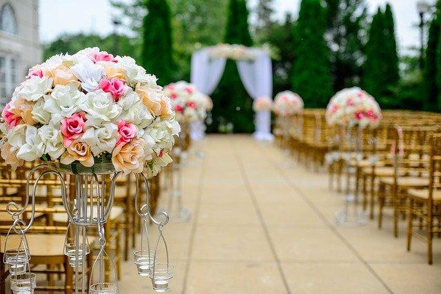 Jak wybierać obrączki ślubne? Poradnik